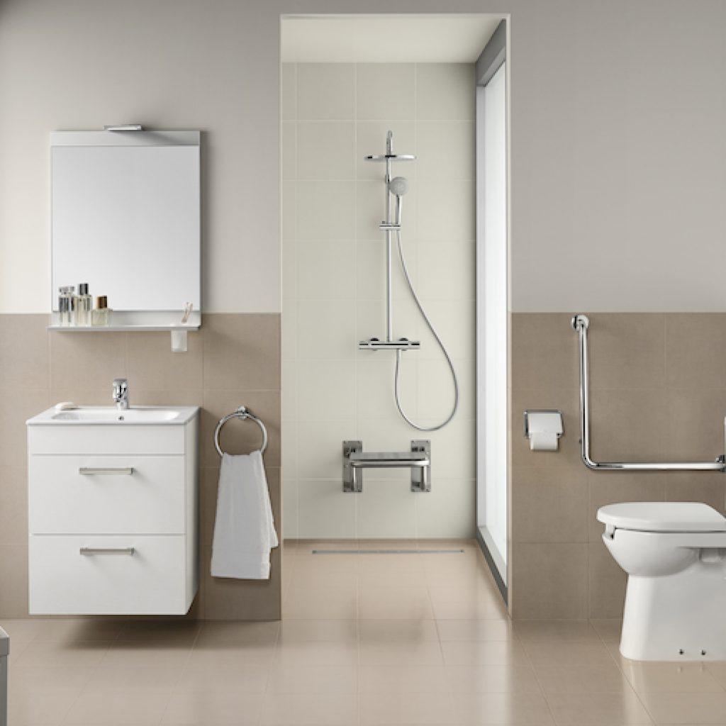 salle de bain pour PMR